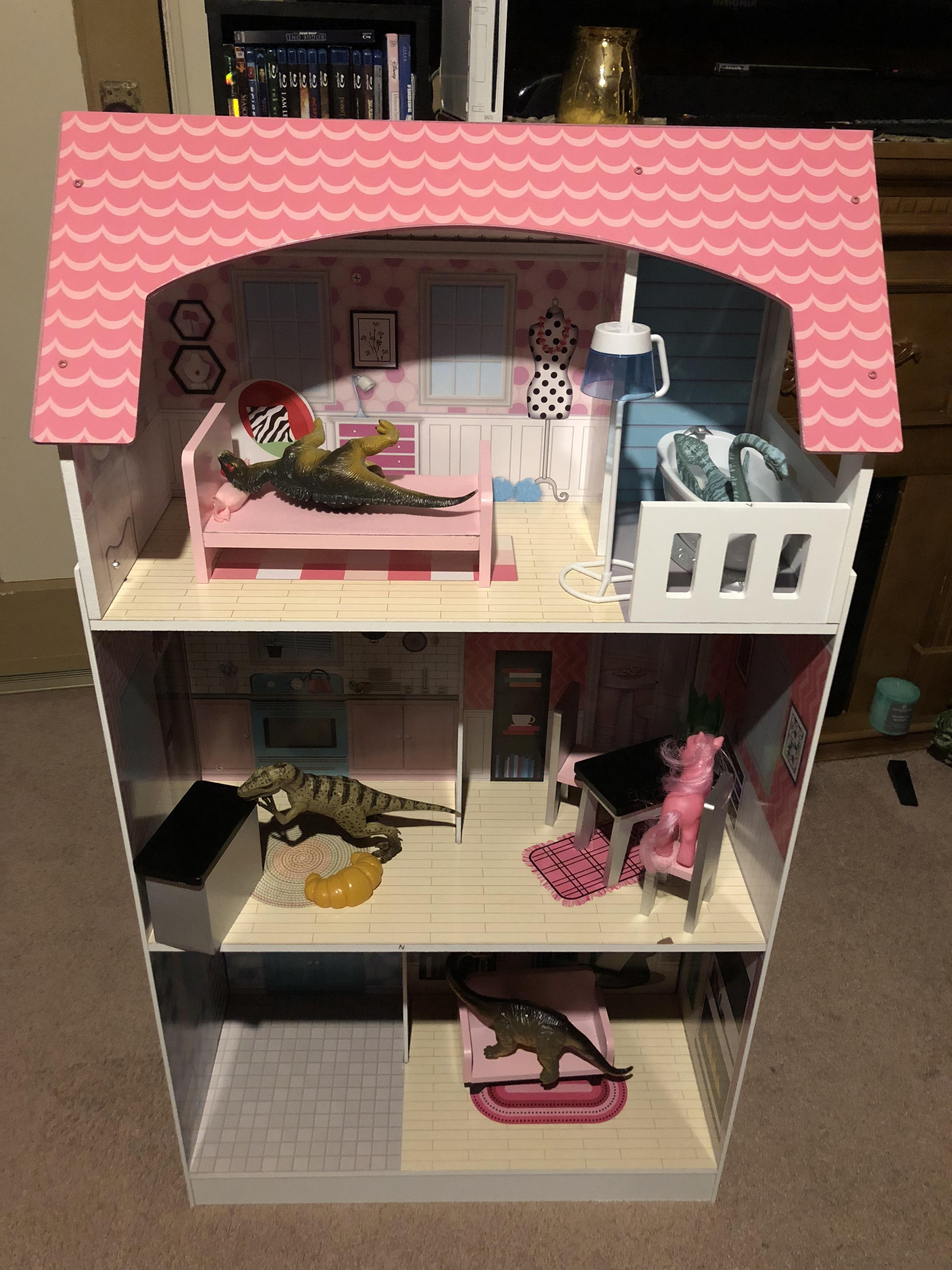 memes my 7 year old sister loves dinosaurs but my parents got her a dollhouse for